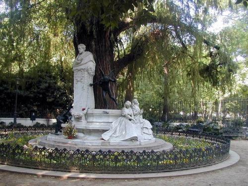 monumento-a-becquer-pequeno